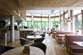 Bolefloor木地板硬木地板回归自然。天然木材不是直的,而是弯曲的,但由于技术有限,硬木地板是没有这种自然曲线的。Bolefloors正试图回到自然状态,弯曲的木地板。没有两个地板是相同的,为家庭,办公室,商业网站增添美感和独特的风格。由于直接采用木材的自然曲线,而不是切掉,它可以让一棵树生产更多的木板。(实习编辑:辛莉惠)