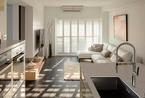 双户合并格局的室内设计 纯白百叶窗营造通透光感