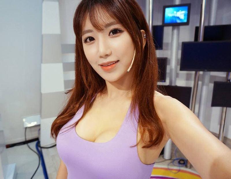 韩国美女教练艺正花
