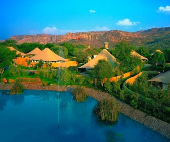 外媒评选十大顶级酒店  在老虎保护区度过刺激一夜