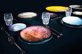 """今天我们特别挑选了 6 件 2015 米兰设计周最佳,让趣味的实用主义来为你装点家居生活。 一.吃出个太阳系 Diesel 的家居线 Diesel Living 和意大利设计品牌 Seletti 合作的""""Cosmic Diner""""餐盘系列,将整个太阳系都铺陈在了餐桌上。每一只陶瓷盘子表面的图案,都是根据太阳系的卫星绘制而成,不仅画面逼真得如同打印成像,尺寸也极为讲究,比如橘红色的""""太阳""""餐盘最大,灰白的""""月球""""和水蓝的""""海王星""""等其他星球餐盘也均按照相应比例呈现。这组产品获得了今年米兰设计周的年度设计大奖,很快就会在 Diesel 旗舰店、全球精品百货和 Seletti 专卖店开售。(实习编辑:谭婉仪)"""