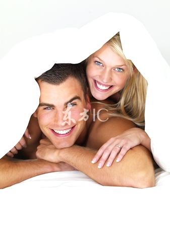 我被老公逼着模仿A片中的女优给他快活
