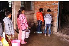 三岔河镇学生用水的一天