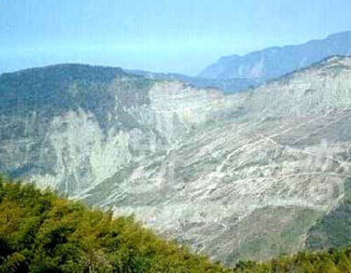 凤凰旅游 出境游 > 正文  >>瑞峰风景区 瑞峰风景区位于嘉义县梅山乡
