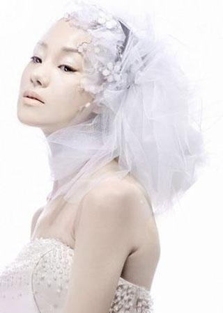 简约典雅的时尚新娘妆容打造