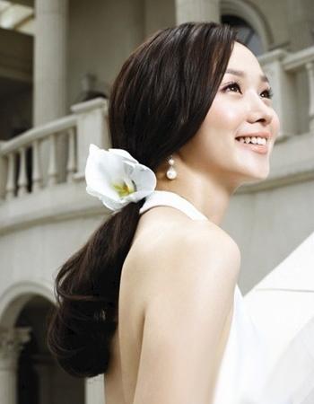10款新娘甜美韩式盘发发型