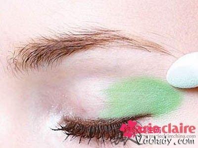 夏日眼影就用薄荷绿 塑造俏皮可爱的眼妆