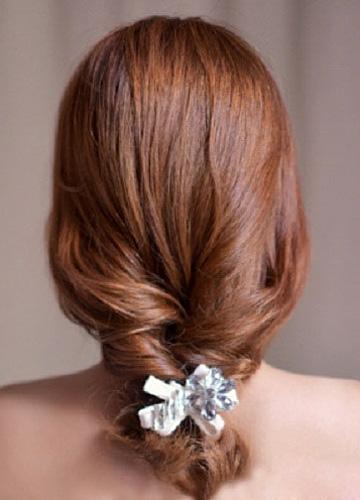 8款优雅低发髻新娘盘发造型图片