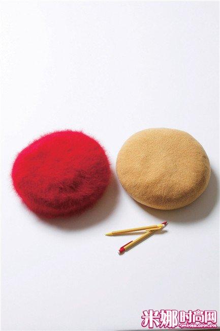 针织材质给人新鲜感,贝雷帽绝对是女孩子的独用单品