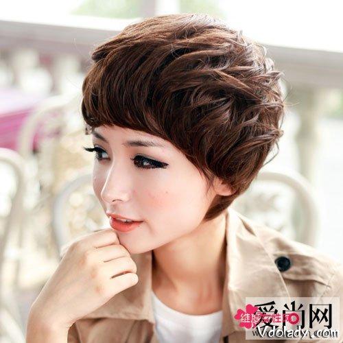 2013最新纹理短发烫染发型女生2018韩式短发烫发图片