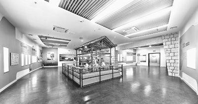步入汉唐风格的展厅,就能感受到洪州窑青瓷的别样神韵。