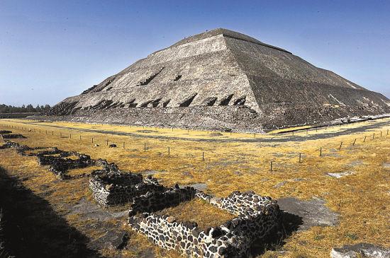 墨西哥日月金字塔