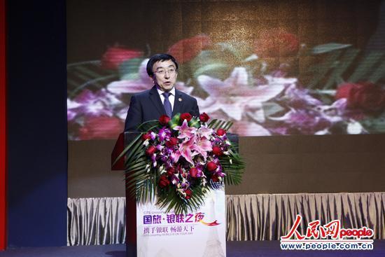 国家旅游局副局长吴文学出席国旅银联之夜并发表讲话(人民网刘佳 摄)