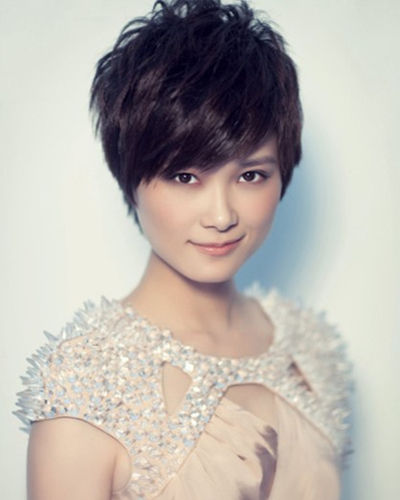 李宇春别样时尚短发 方脸发型代言人图片