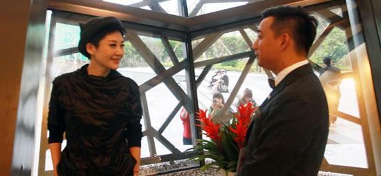 独家特写:黄磊当家乌镇戏剧节 总管三陪的一天
