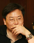 朱学东:曾任《南风窗》杂志总编辑、《中国周刊》总编辑。于近期从《中国周刊》离职;