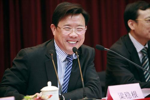 大佬的政治观:冯仑不进政治洞房 梁稳根重党的利益