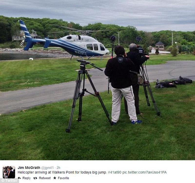 老布什跳伞使用的直升机