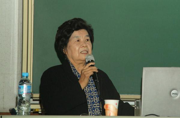 习近平主席的博士导师刘美珣。