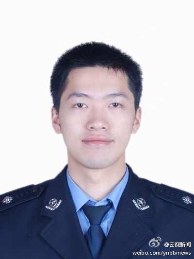 20余越南人持刀棍越境抢货 中方一警察牺牲