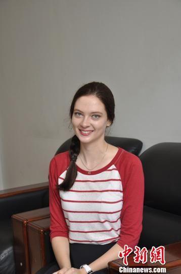 图为来自俄罗斯的留学生GubanovaDaria。李佳宁摄