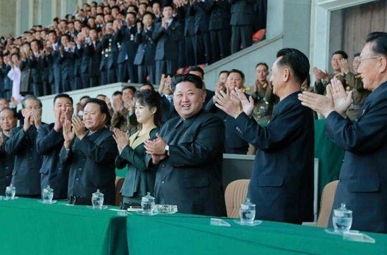 俄罗斯轮盘赌-金正恩观察迟疑朝鲜须眉足球赛_夫人时隔4个月再露面(图)