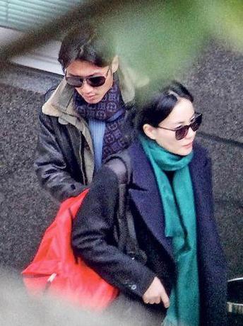 港媒:王菲等谢霆锋欲打入内地市场婚期延迟