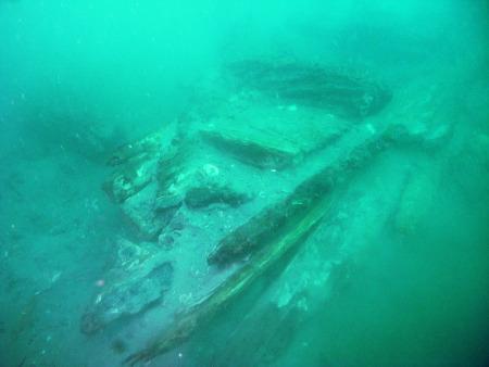 此前发现的军船残骸。