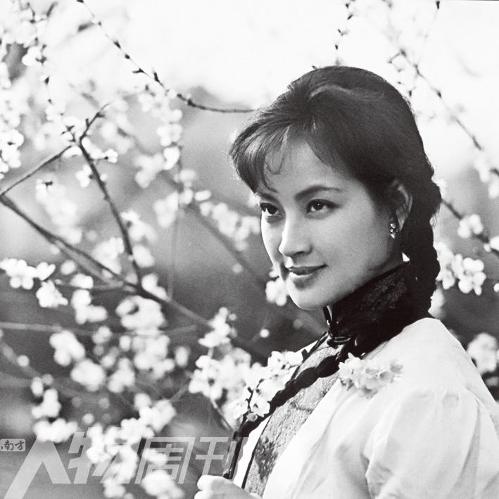 """[明星爆料]一代 """"妖后"""" 刘晓庆:我不仅""""恐婚"""",还有""""反婚症"""""""
