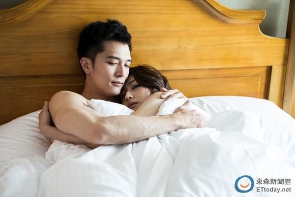 [明星爆料]唐嫣前男友与女星床上激吻 还有喘息声……
