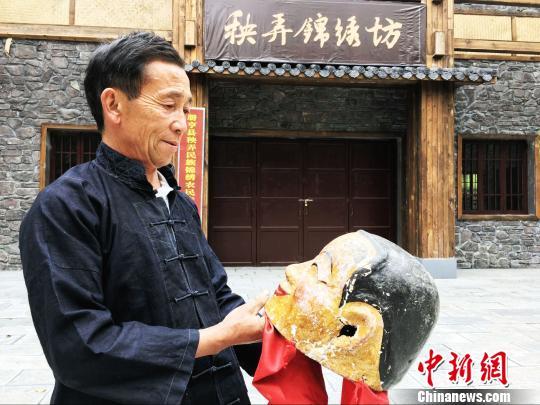 贵州布依族舞狮传承人:民间技艺需适应新变化