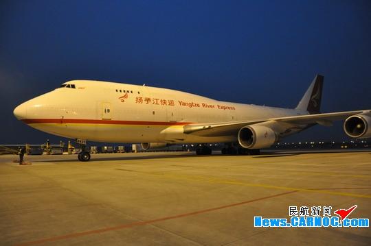 其中全货机航线4条,分别是深圳,北京,晋江和潍坊航线,货运航班量为48