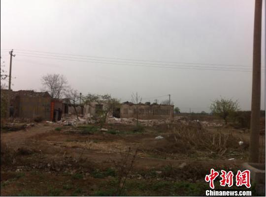 """沙河市褡裢村项目现场。 张鹏翔 摄src=""""http://y0.ifengimg.com/news_spider/dci_2012/04/b21d6e6ddb2b1c10dc60880f5893b43e.jpg"""""""