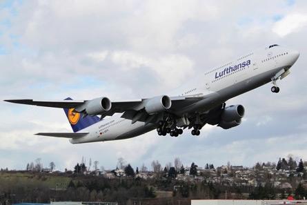 德汉莎航空公司接收首架波音747 8洲际客机