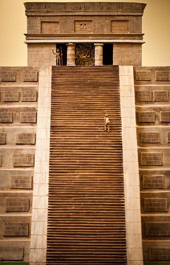 一座玛雅金字塔的原尺寸