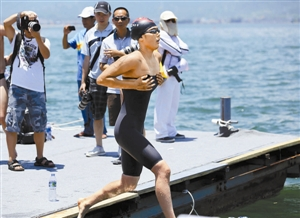技法你得游得快水底你得躲得快中国风筝民间水面免费阅读图片