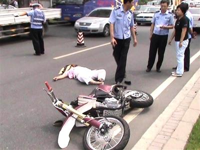 该事故造成此路段大面积车辆拥堵