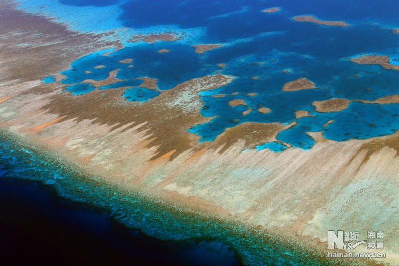 这是6月1日拍摄的西沙群岛的珊瑚礁盘.