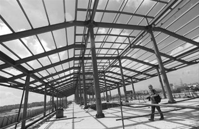 目前车站主体内部结构已经完成,出入口,联络通道以及装修安装施工已经