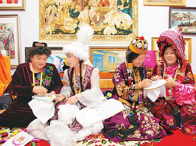 新疆民族团结小故事