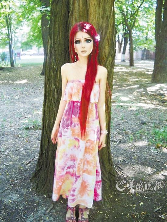 乌克兰少女阿纳斯塔西娅・席帕吉娜上图是一名超级