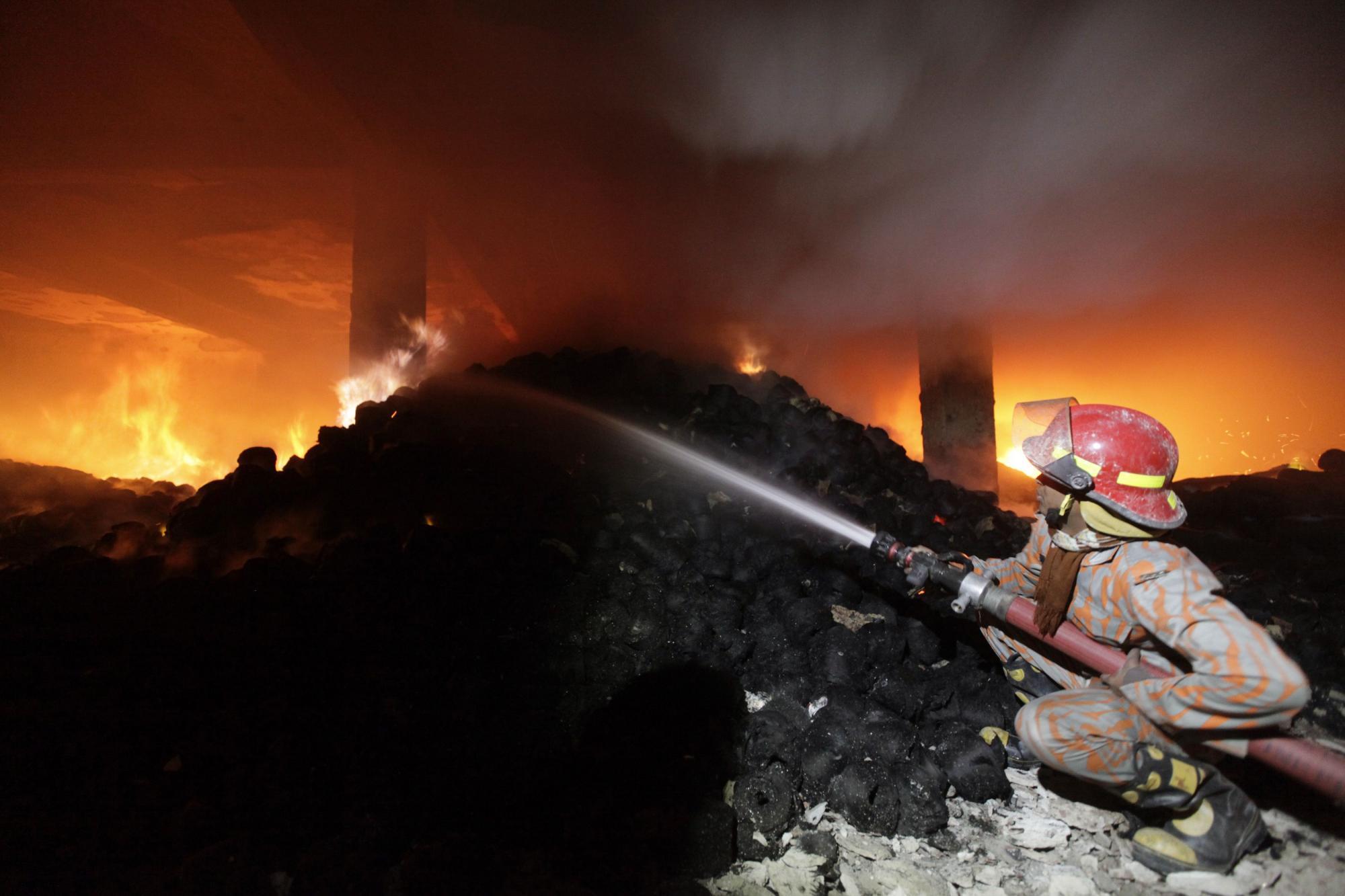"""""""他怀疑电路短路引发这次火灾,不过仍需等待调查结束才能做出最终结"""