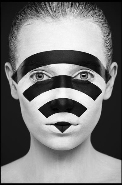 ya112510-化妆师瓦列里娅·库特桑(Valeriya Kutsan)最近完成了一组十分与众