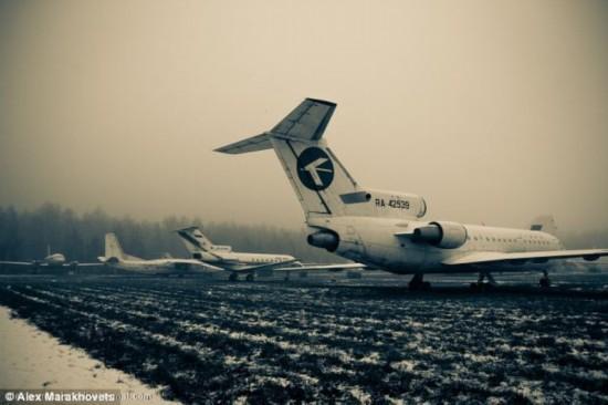 俄罗斯最大飞机墓地