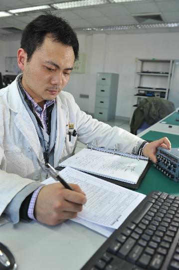 我的电子缘 记北北京飞机维修公司邓宇鹏