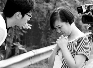 上访母亲称今日检举两警察奸淫幼女_资讯频