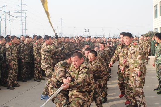 军人强壮生活照片