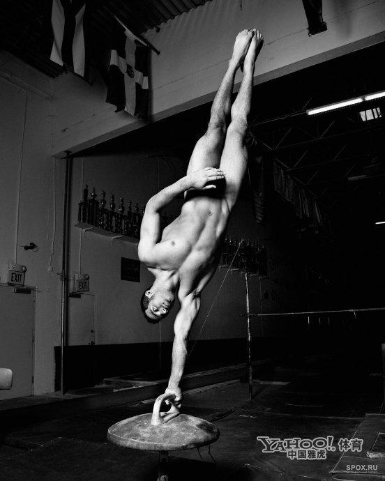 体育明星最爱裸体写真 仅遮私处大胆解放