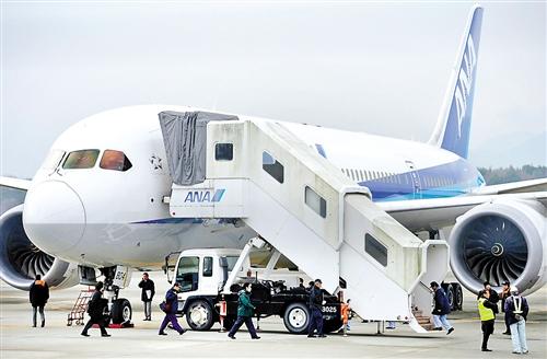 天紧急迫降的波音787飞机