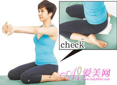 6个产后瑜伽动作紧致曲线 打造性感辣妈图片